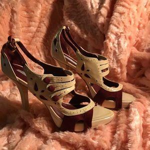 Pour La Victoire Peep Toe Shoes